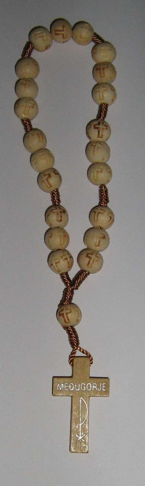 F8110022 WH - Wooden Rosary white - Krunica Gospe Međugorske - Rosary of Our Lady of Medjugorje